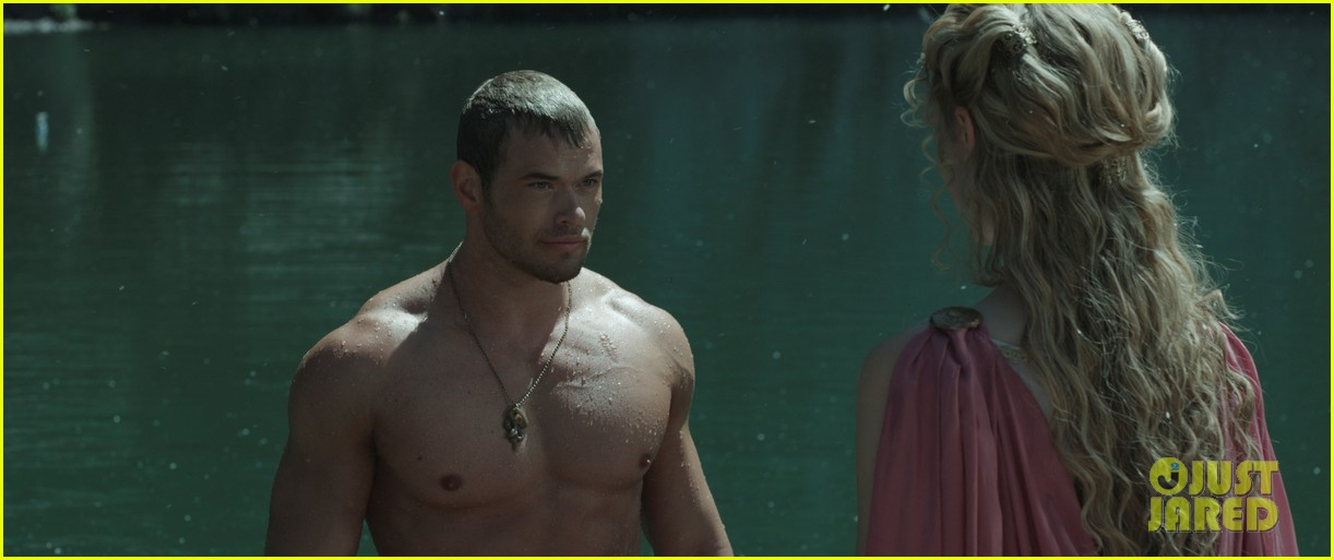 kellan lutz is shirtless sexy for new legends of hercules trailer 11