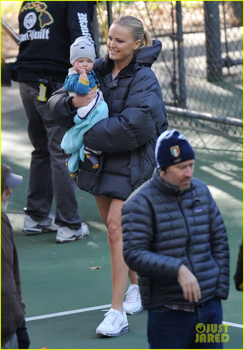 malin akerman hangs with sebastian on trophy wife set 08