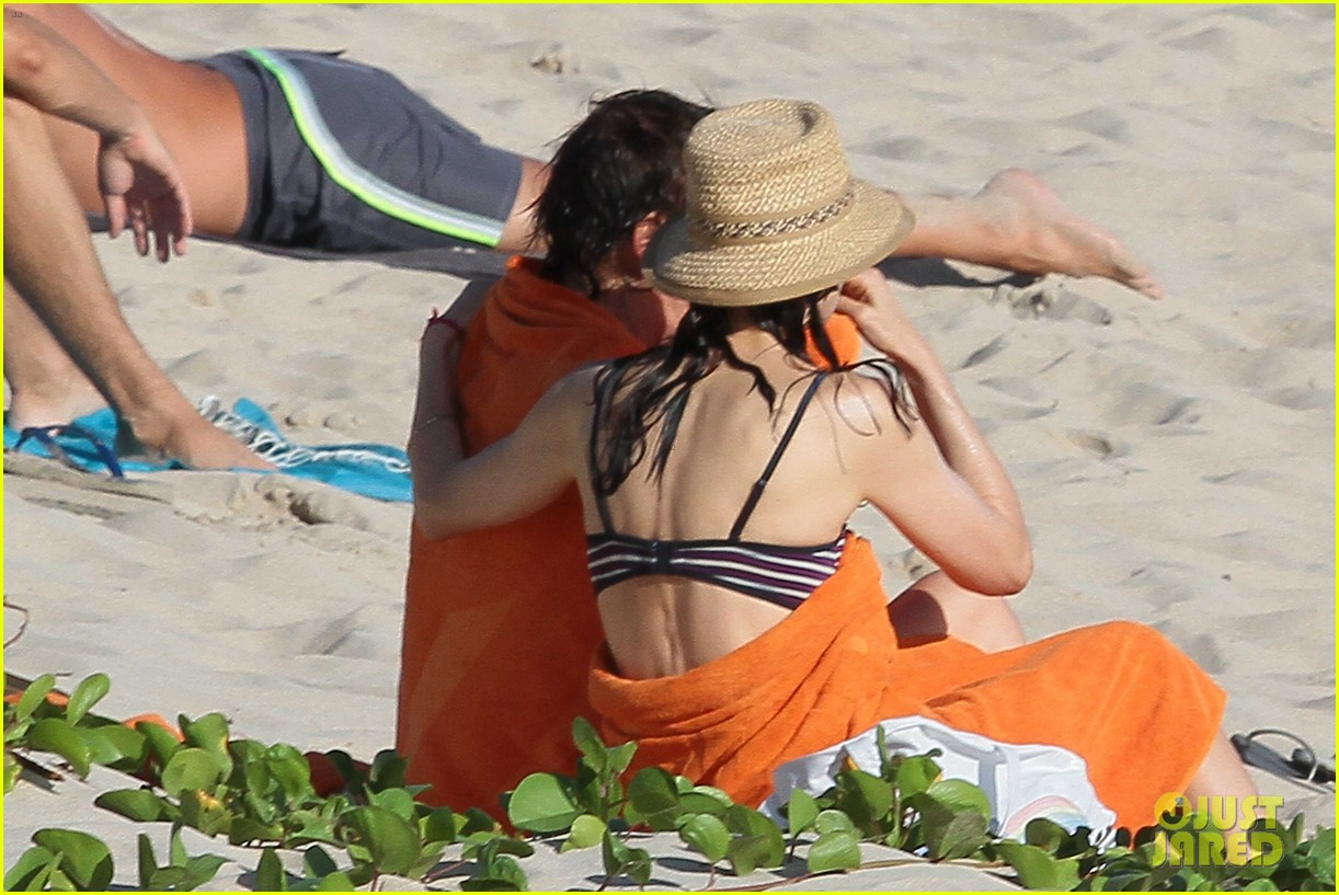 paul mccartney shirtless vacation with wife nancy shevell 21