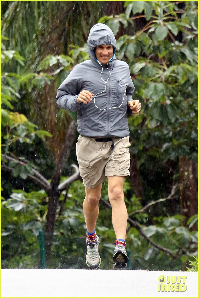 matthew mcconaughey braves the rain for a run in brazil 06