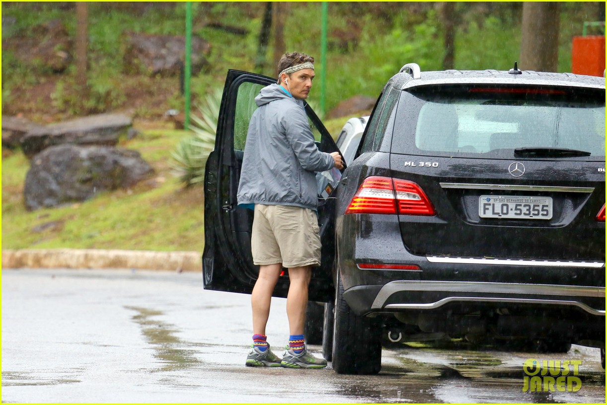 matthew mcconaughey braves the rain for a run in brazil 20