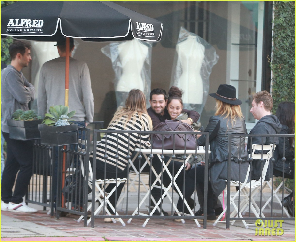 jesse metcalfe cara santana lunch with the jew crew 123016132