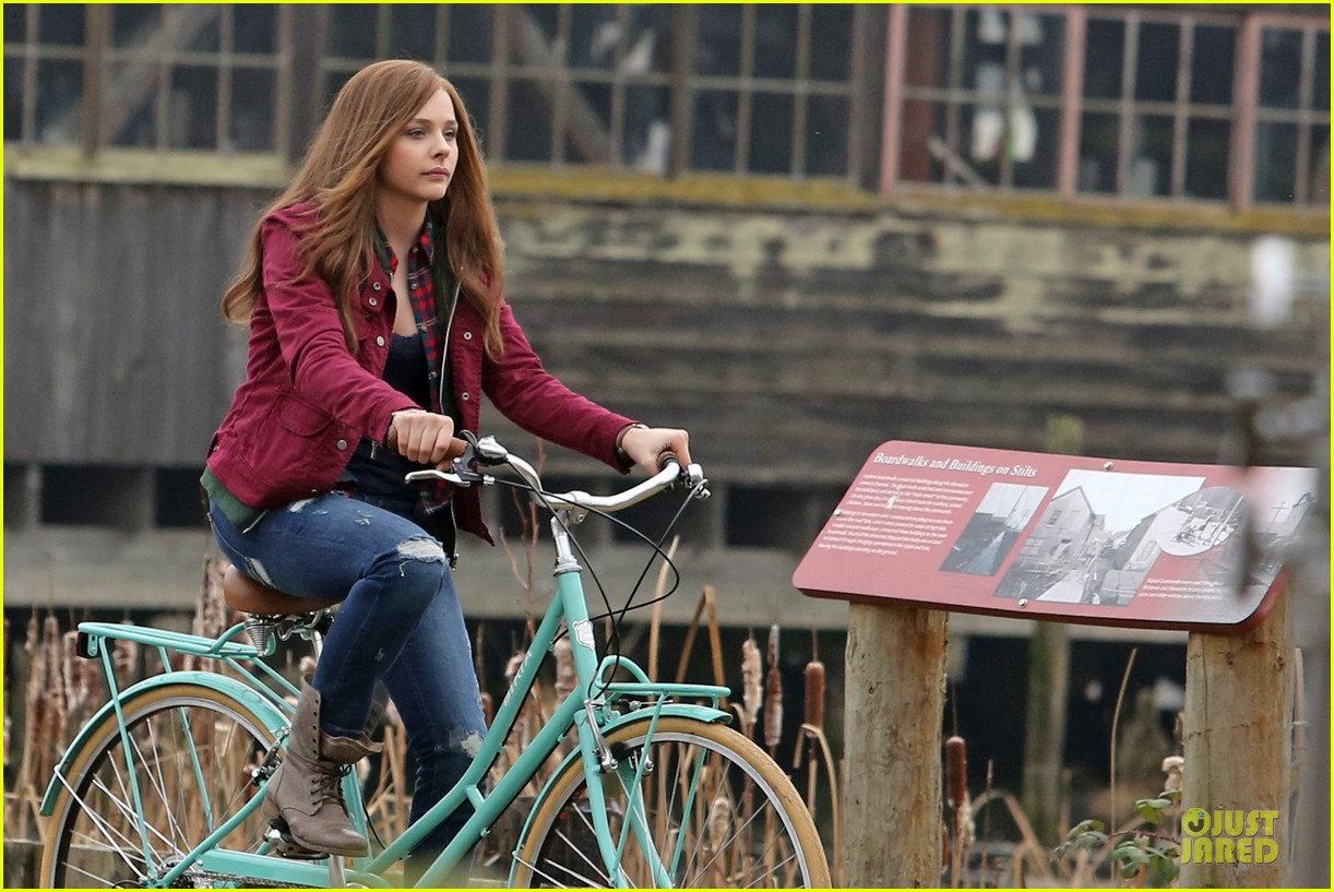 chloe moretz after thanksgiving bike rider for if i stay 21