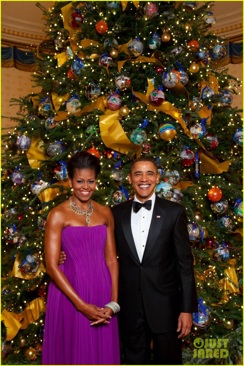 president michelle obama share christmas photos 03
