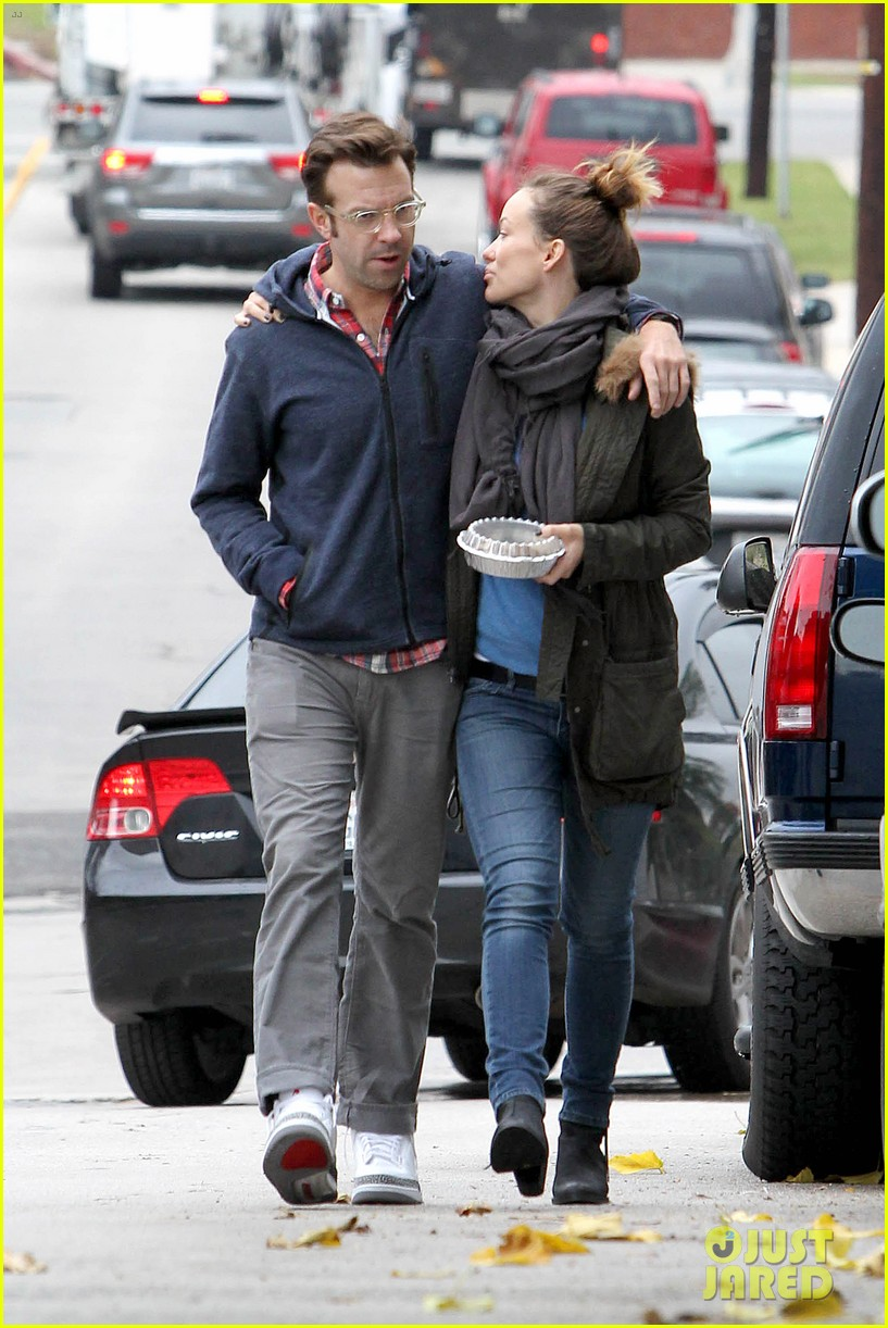 olivia wilde jason sudeikis arm in arm after lunch date 333007635