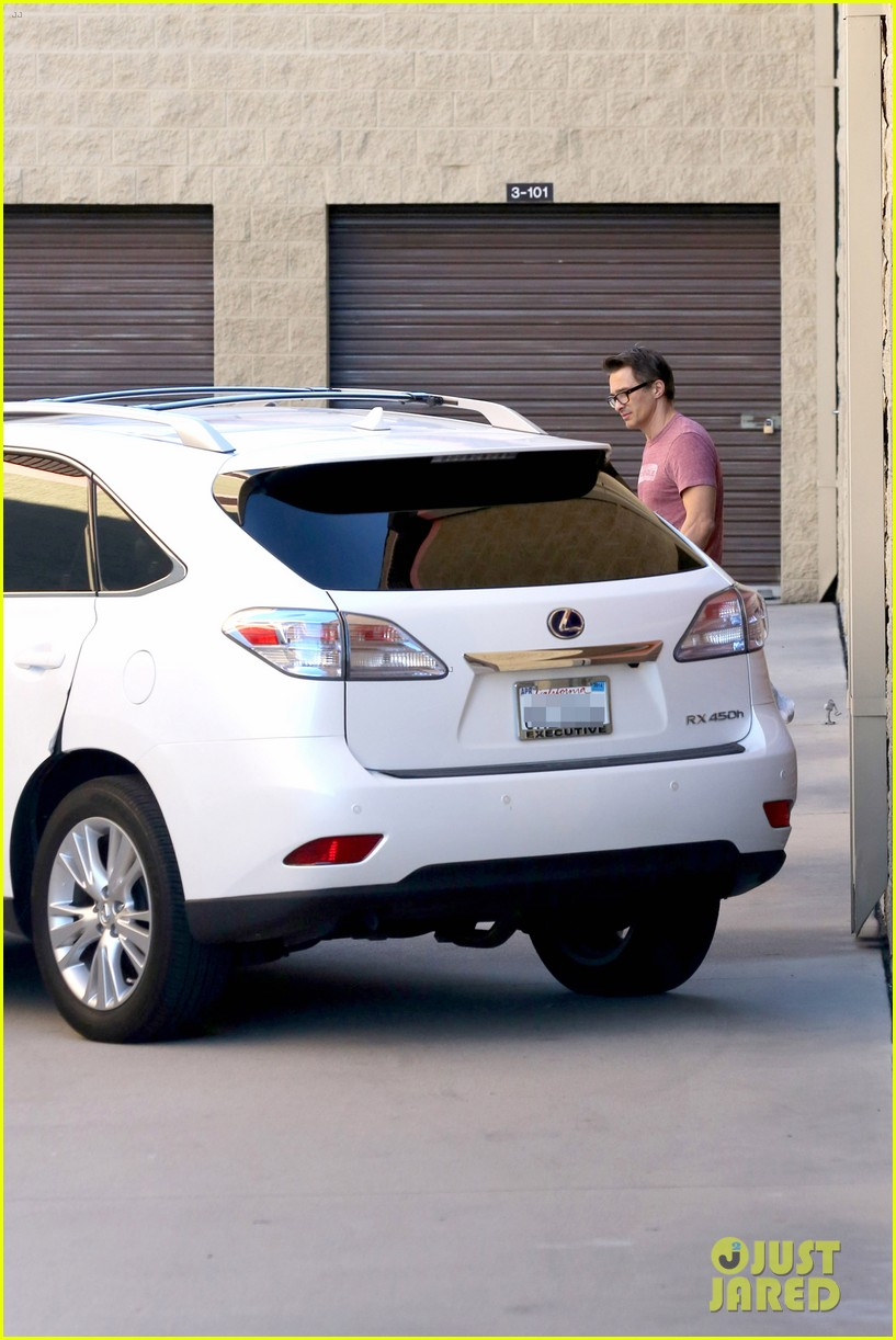 olivier martinez busy weekend running errands 213003185