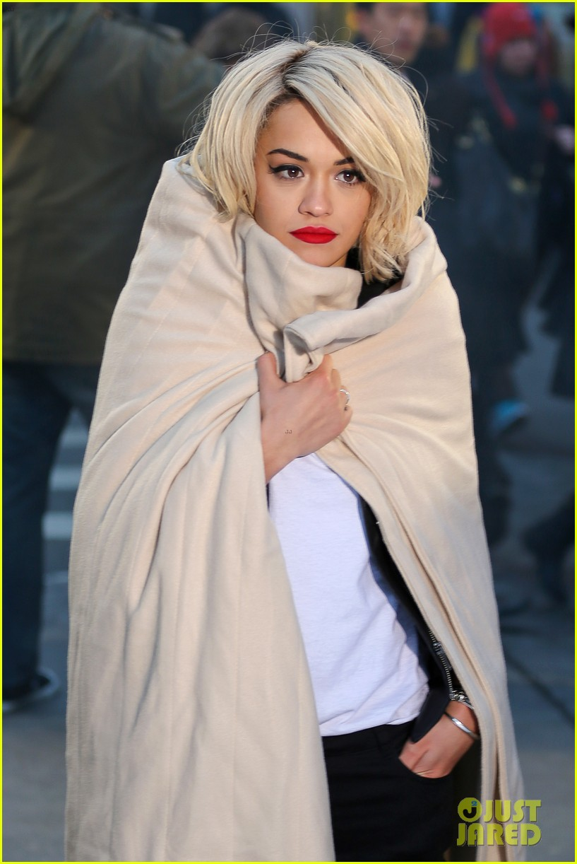 rita ora dkny fashion shoot in nyc 04