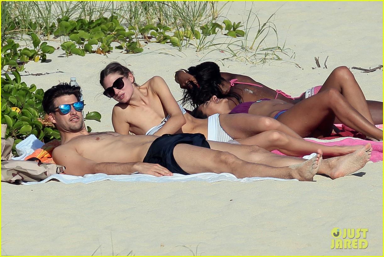 olivia palermo johannes huebl st barts beach vacation 02