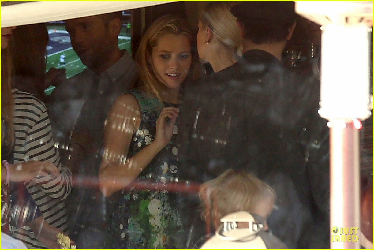 teresa palmer invites jaime king to baby shower 26