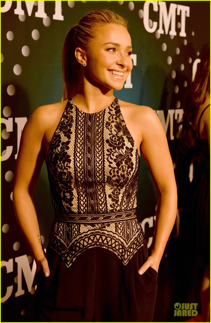 hayden panettiere cassadee pope cmt artists of the year 2013 16