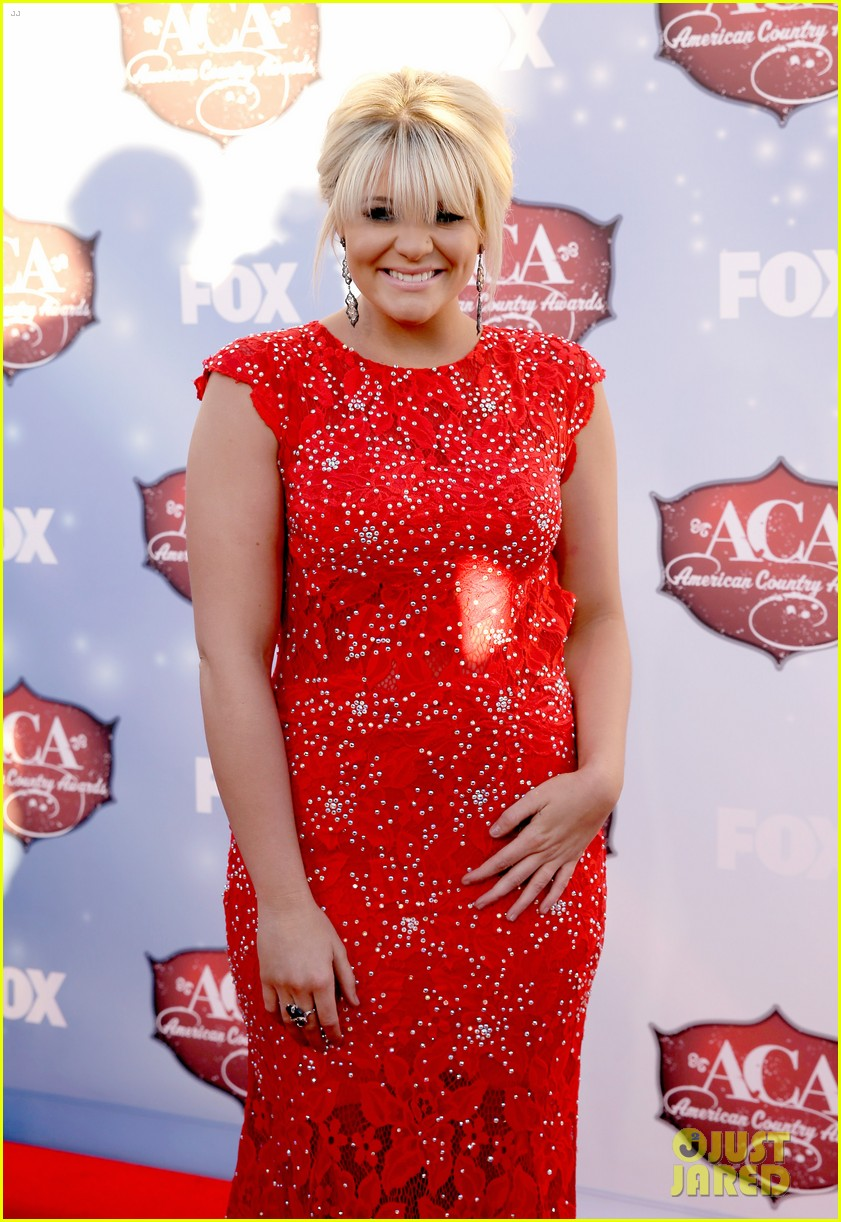 kellie pickler lauren alaina acas 2013 red carpet 163009227