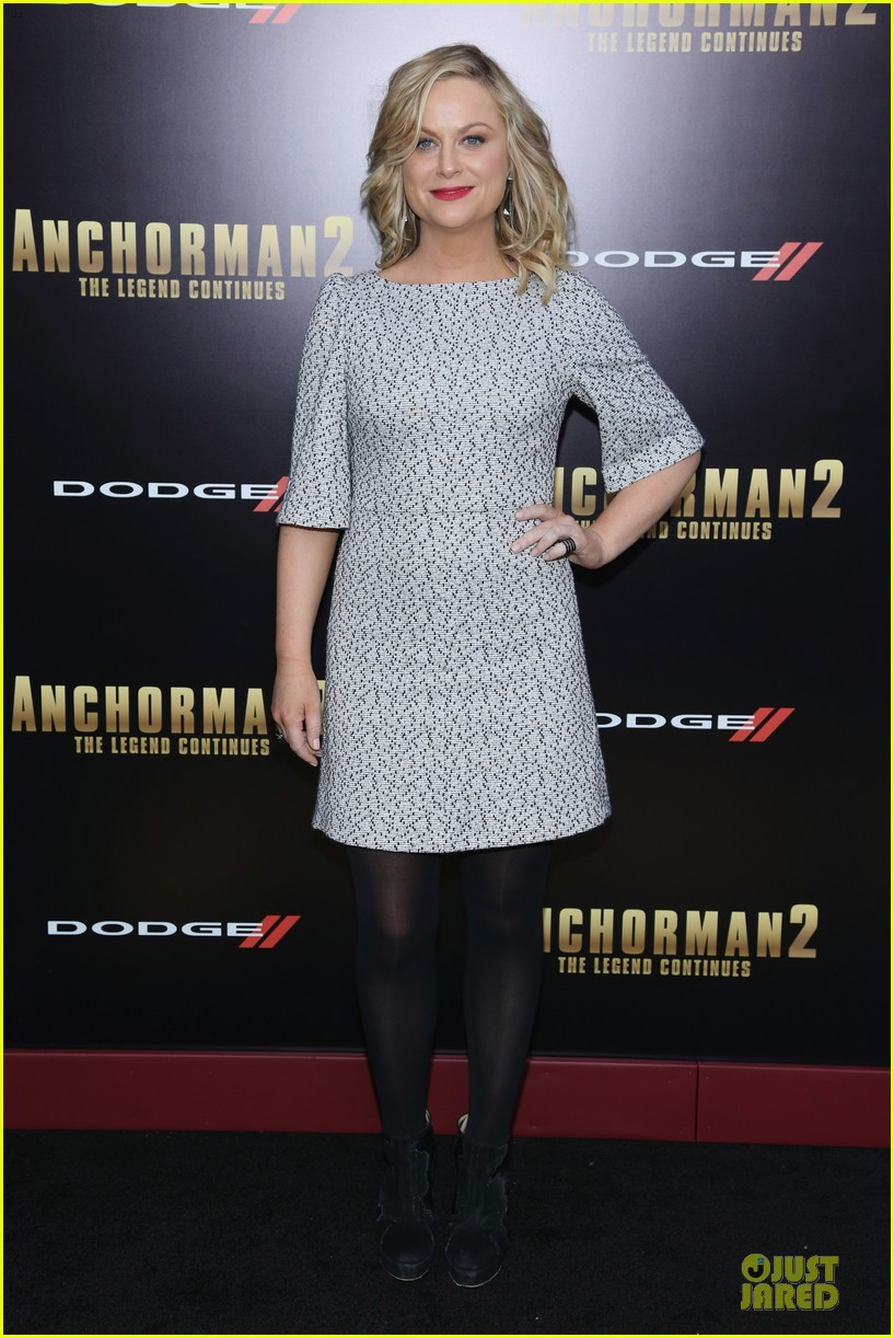 amy poehler tina fey anchorman 2 nyc premiere 09