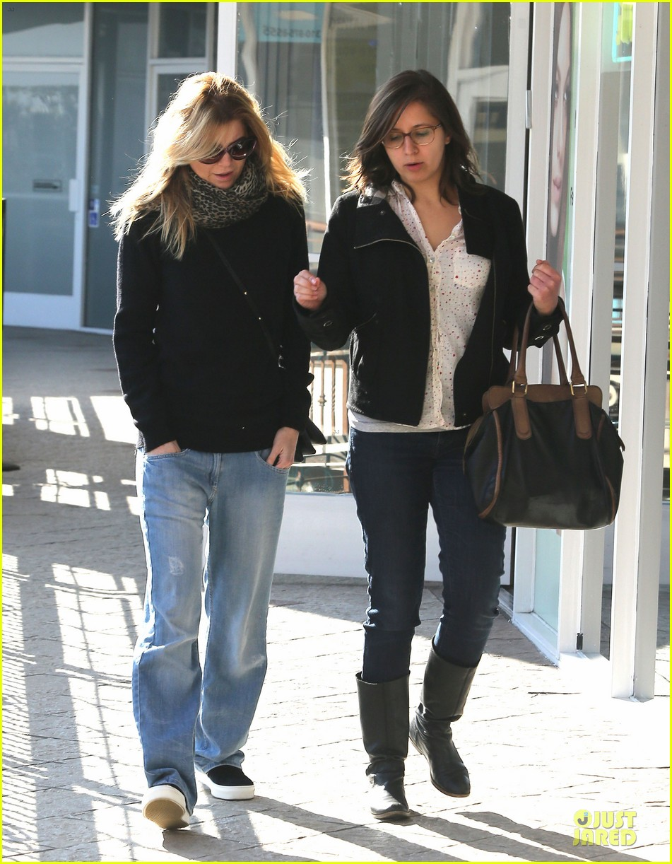 ellen pompeo chris ivery disney on ice with stella 11