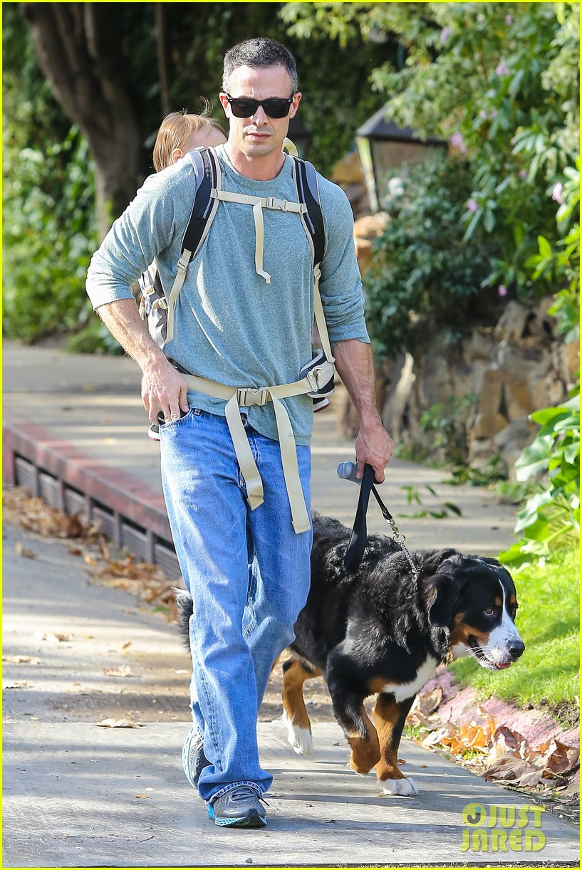 freddie prinze jr walks the dog with son rocky 05