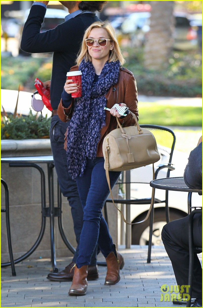 reese witherspoon back on the road for the good lie 07