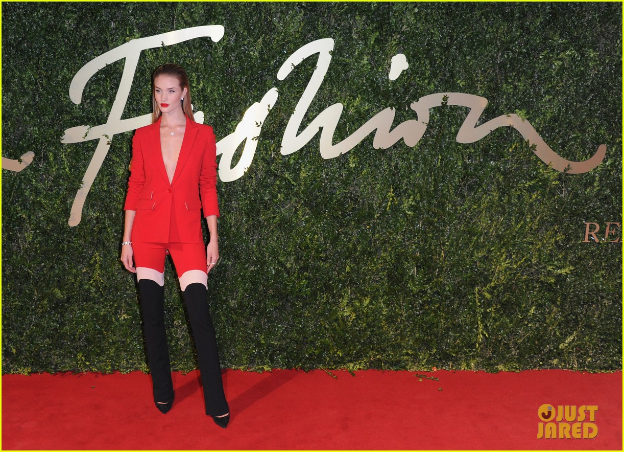 rosie huntington whiteley british fashion awards 2013 10