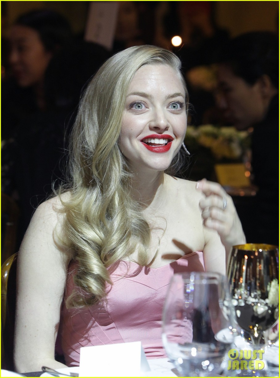 amanda seyfried cle de peau beaute events in seoul 02
