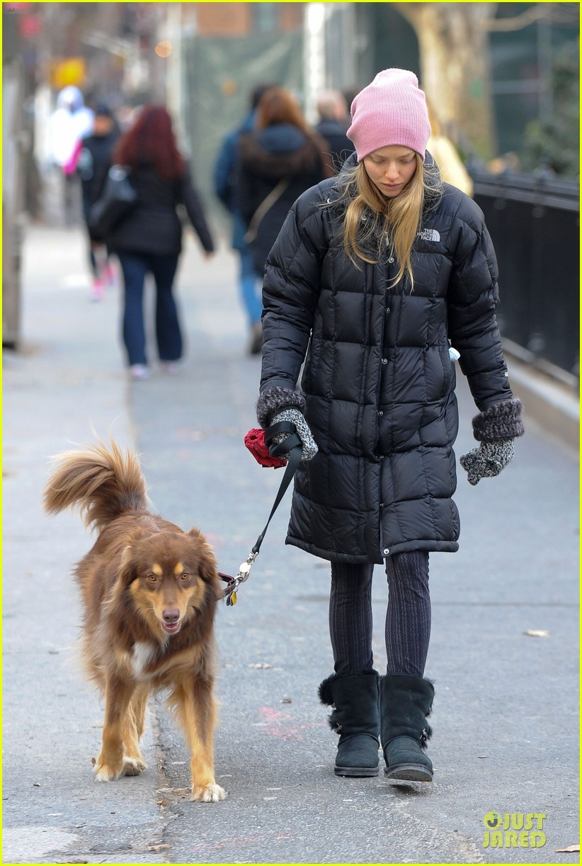 amanda seyfried post christmas pink walk with finn 093018754