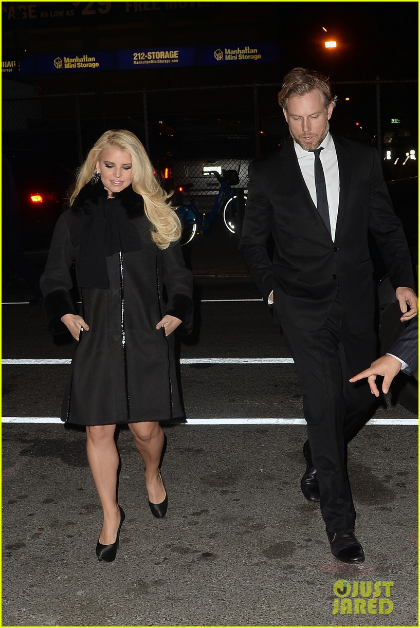jessica simpson footwear news achievement awards 2013 03