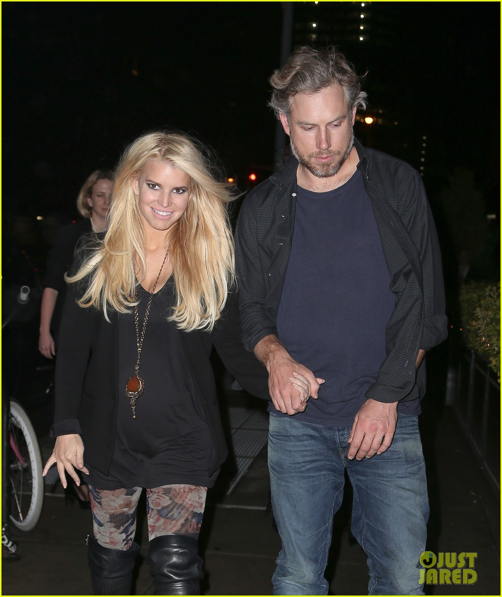 jessica simpson look at all moms as superheroes 06