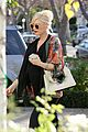 gwen stefani gavin rossdale acupuncture clinic with kingston 02