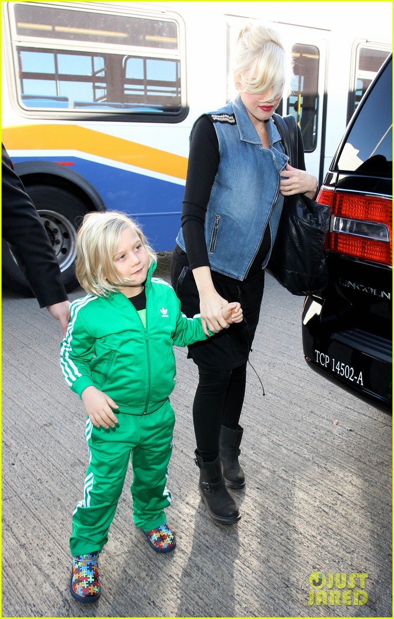 gwen stefanis sons kingston zuma wear matching green track suits 15