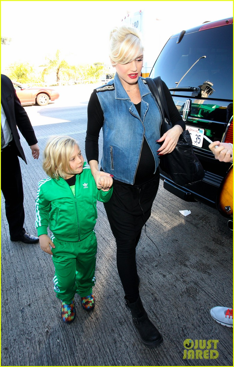 gwen stefanis sons kingston zuma wear matching green track suits 16