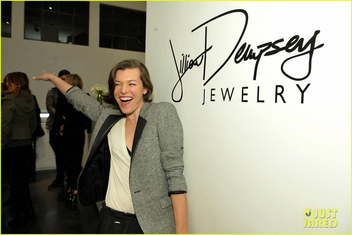 kristen stewart jill dempseys jewelry launch 05