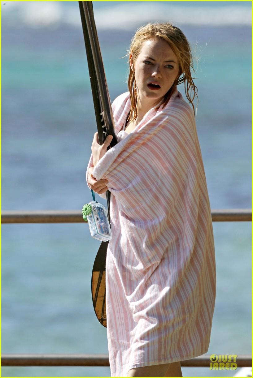 emma stone hawaiian paddle boarding babe 06