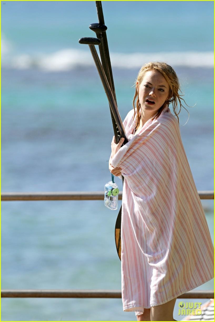 emma stone hawaiian paddle boarding babe 12