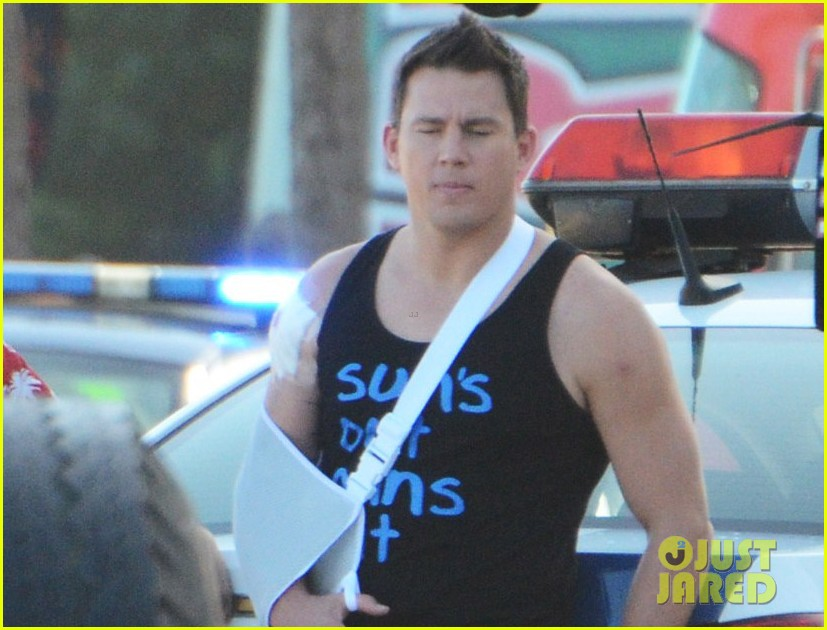 channing tatum sports arm sling wounded bicep for 22 jump street 043009039