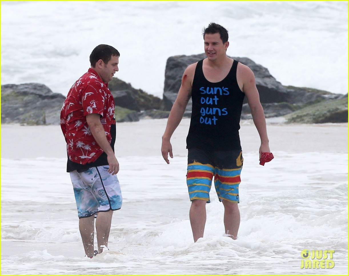 channing tatum gives jonah hill big hug for 22 jump street 14