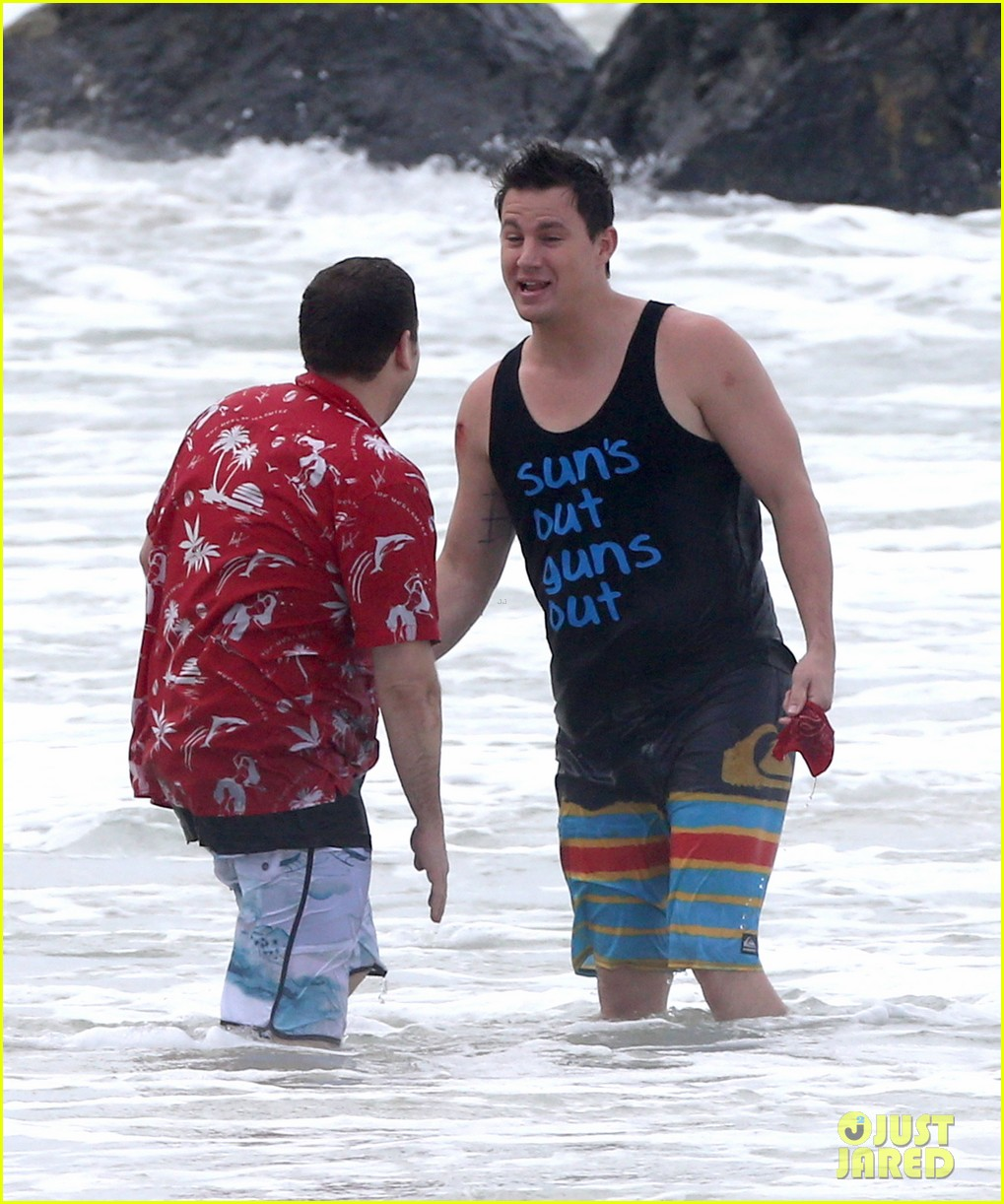 channing tatum gives jonah hill big hug for 22 jump street 16