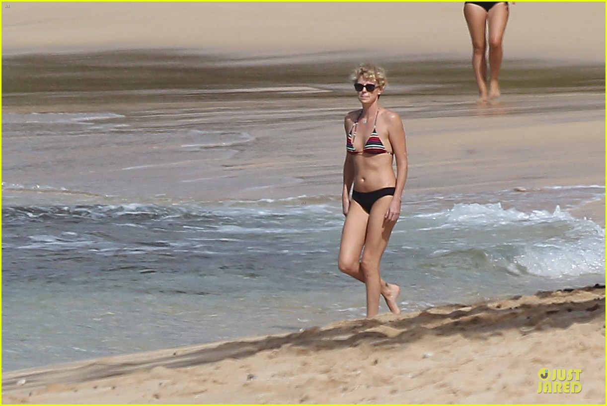 charlize theron colorful hawaiian bikini babe 033020227