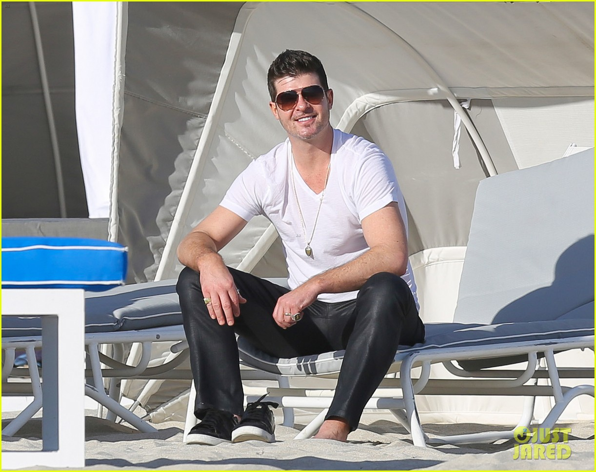 robin thicke supports the hrc love conquers hate campaign 11