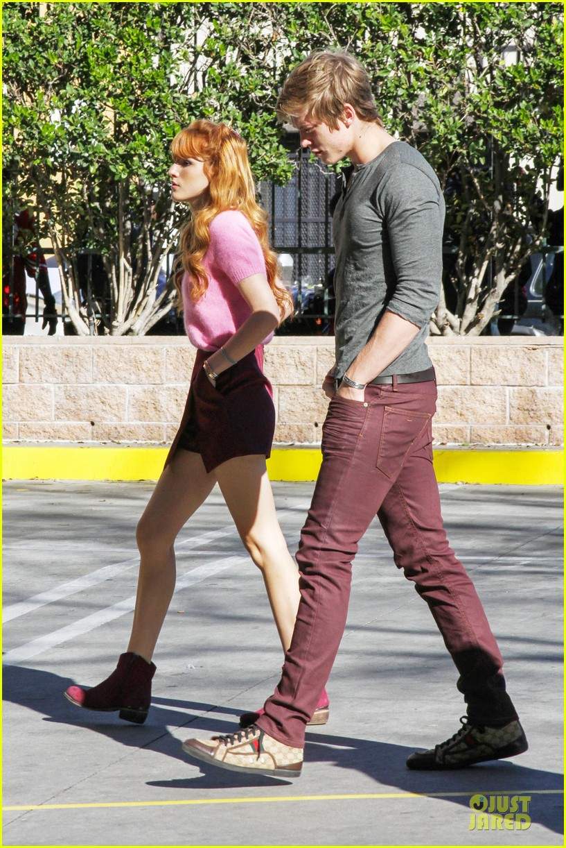 bella thorne tristan klier la mission christmas eve celebration 14