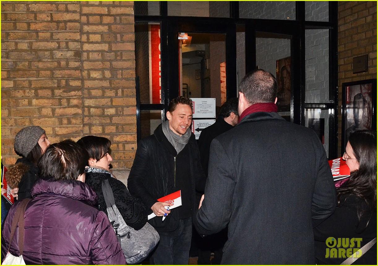 tom hiddleston watch psa to help syrian children 16