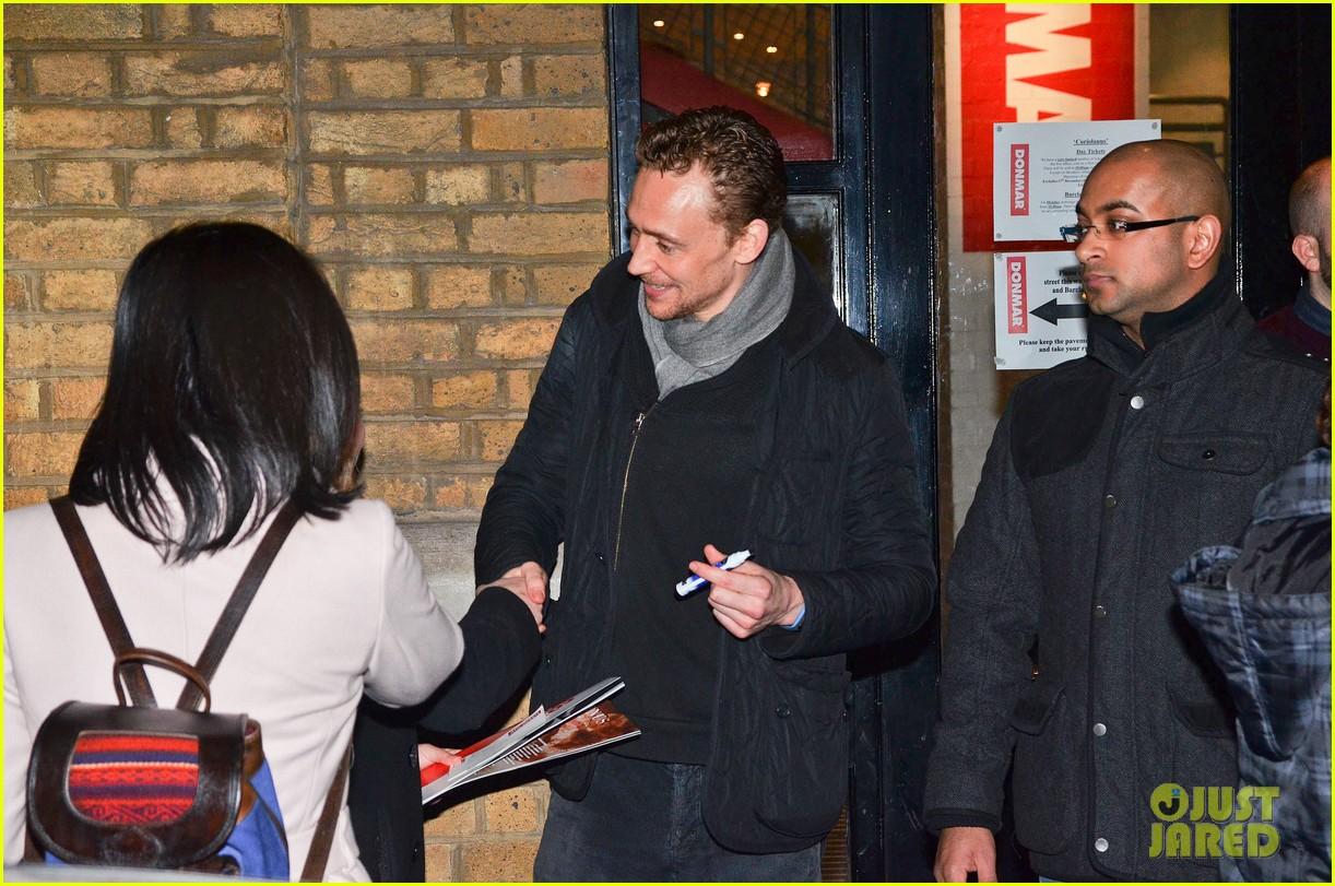 tom hiddleston watch psa to help syrian children 23
