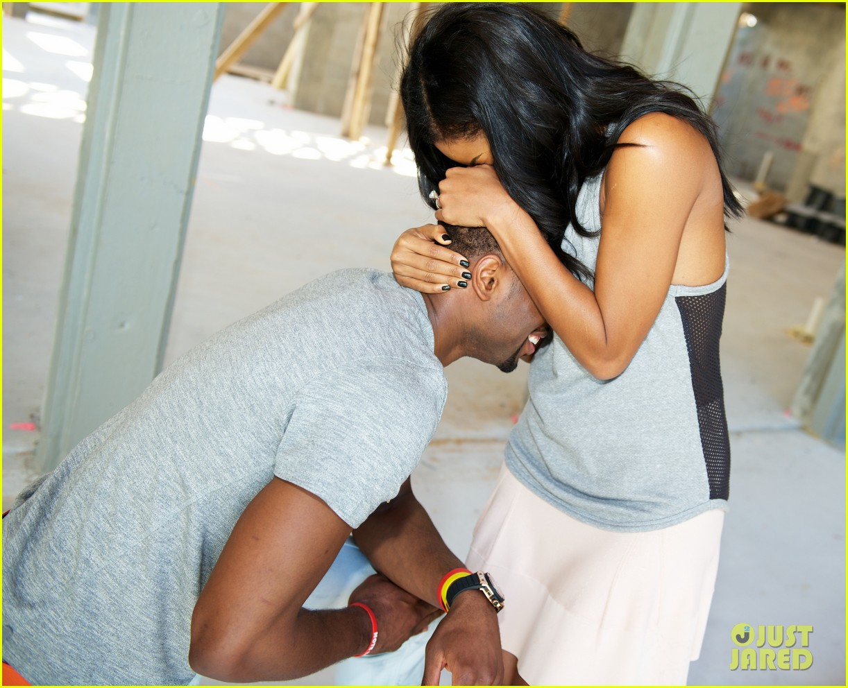 dwayne wade proposes to gabrielle union see the pic 013016402
