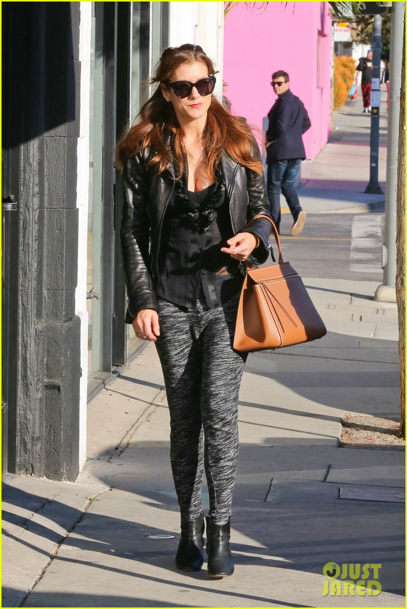 kate walsh shops for holiday presents on melrose 143006279