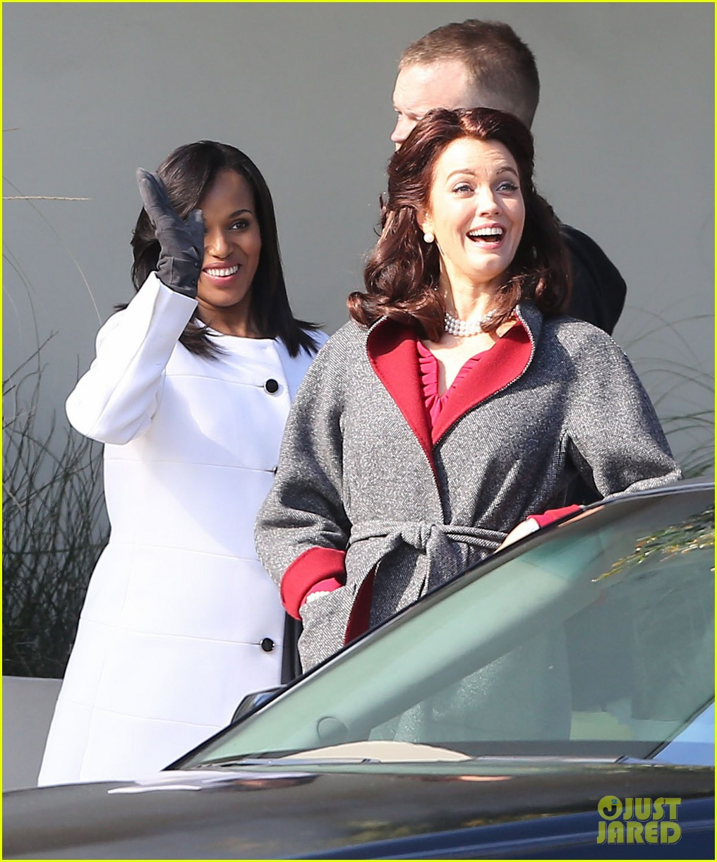kerry washington bellamy young side by side for scandal filming 26