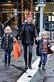naomi watts walks in the rain with sasha samuel 11