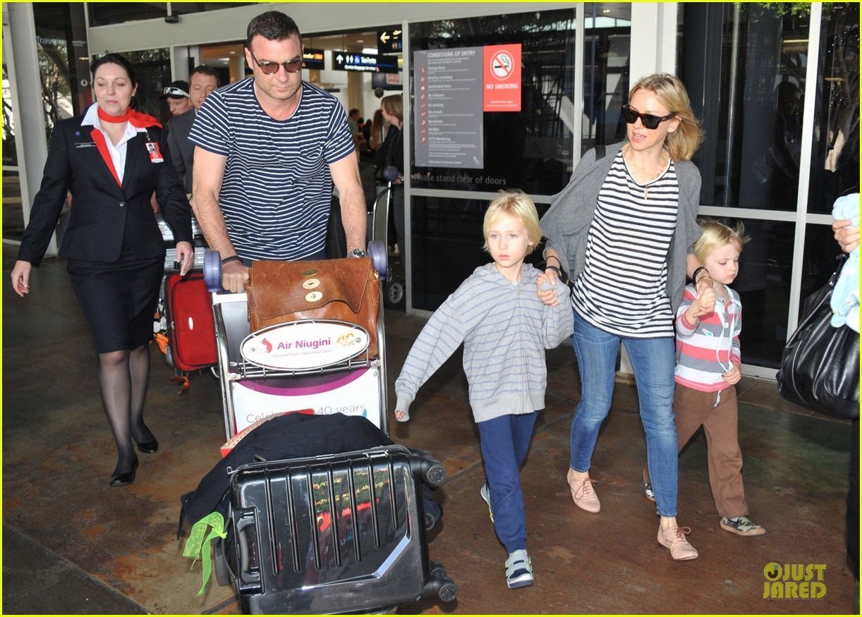 naomi watts liev schreiber holidays in sydney with the boys 27