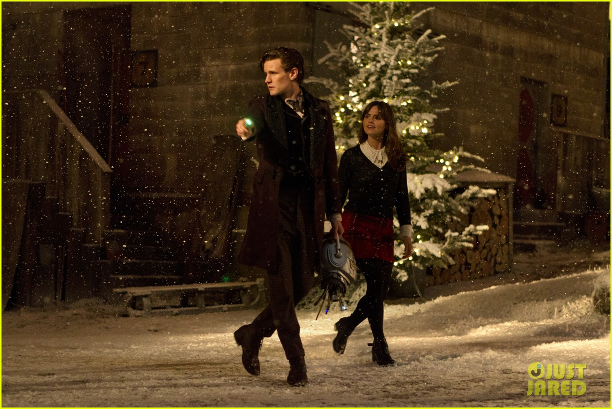 matt smith doctor who christmas special stills posters 03