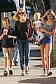 reese witherspoon friday errands lunch with the kids 06