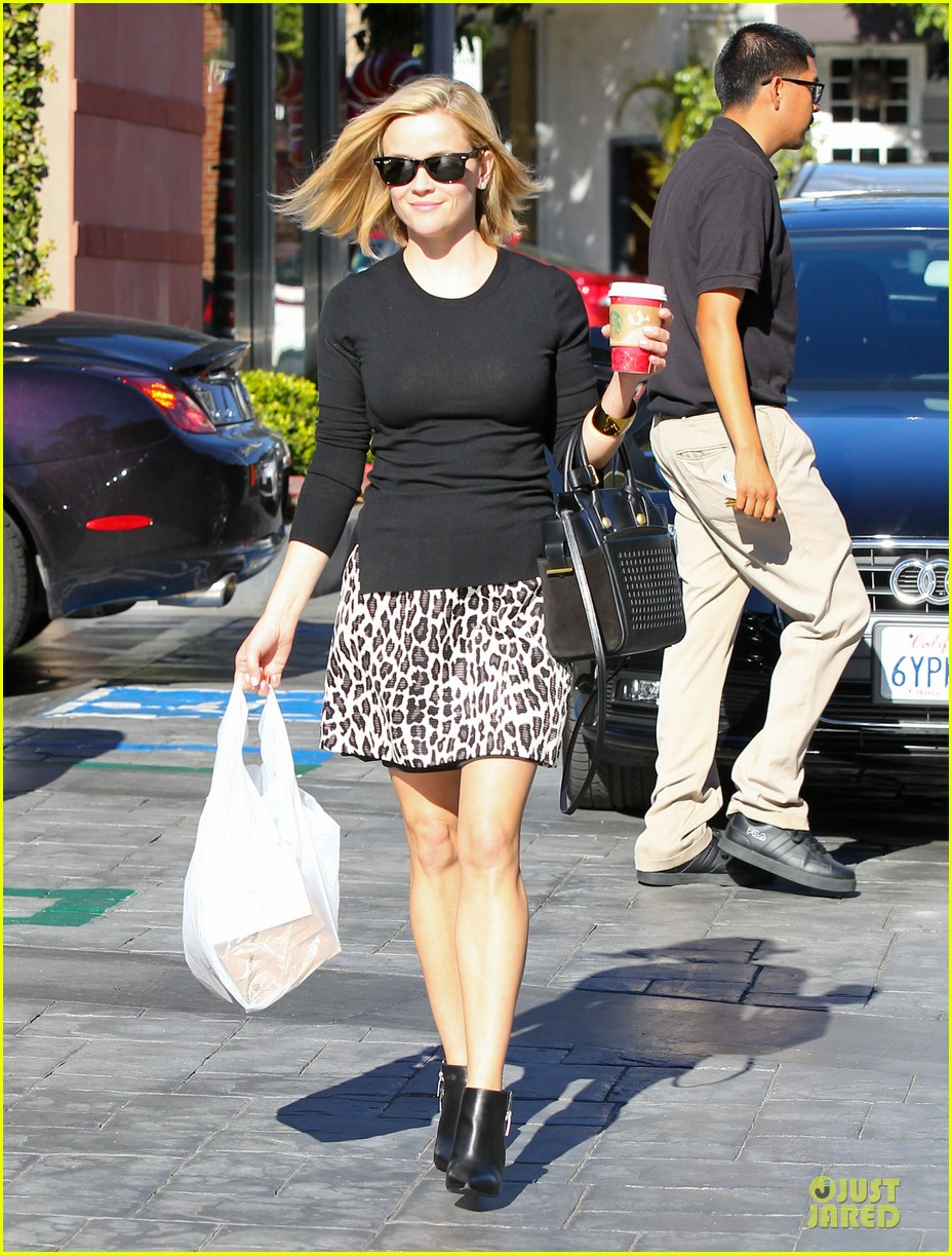 reese witherspoon wild lunch before christmas 12