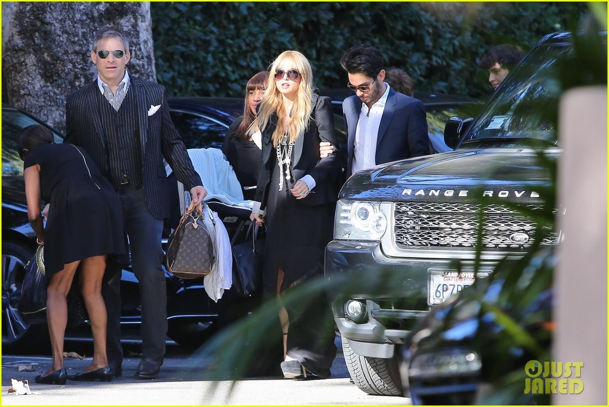 rachel zoe steps out with newborn baby kai 07