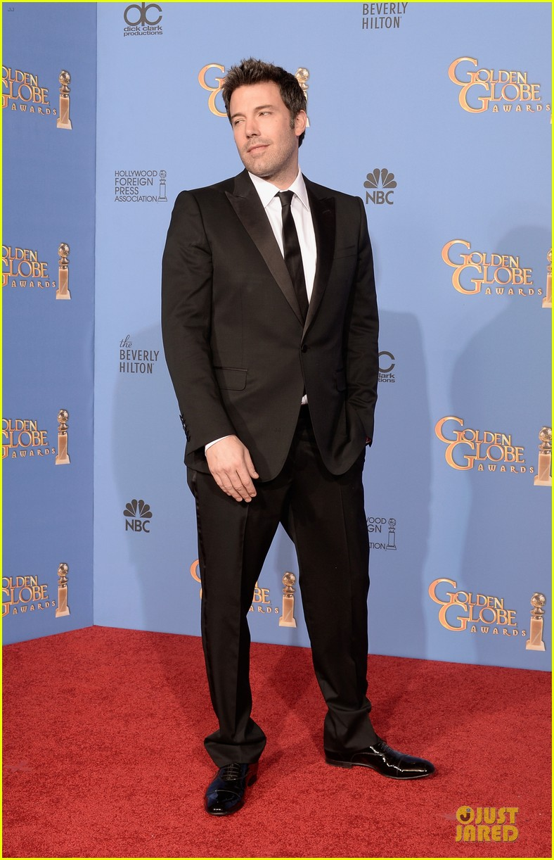 ben affleck golden globes 2014 red carpet 033029645