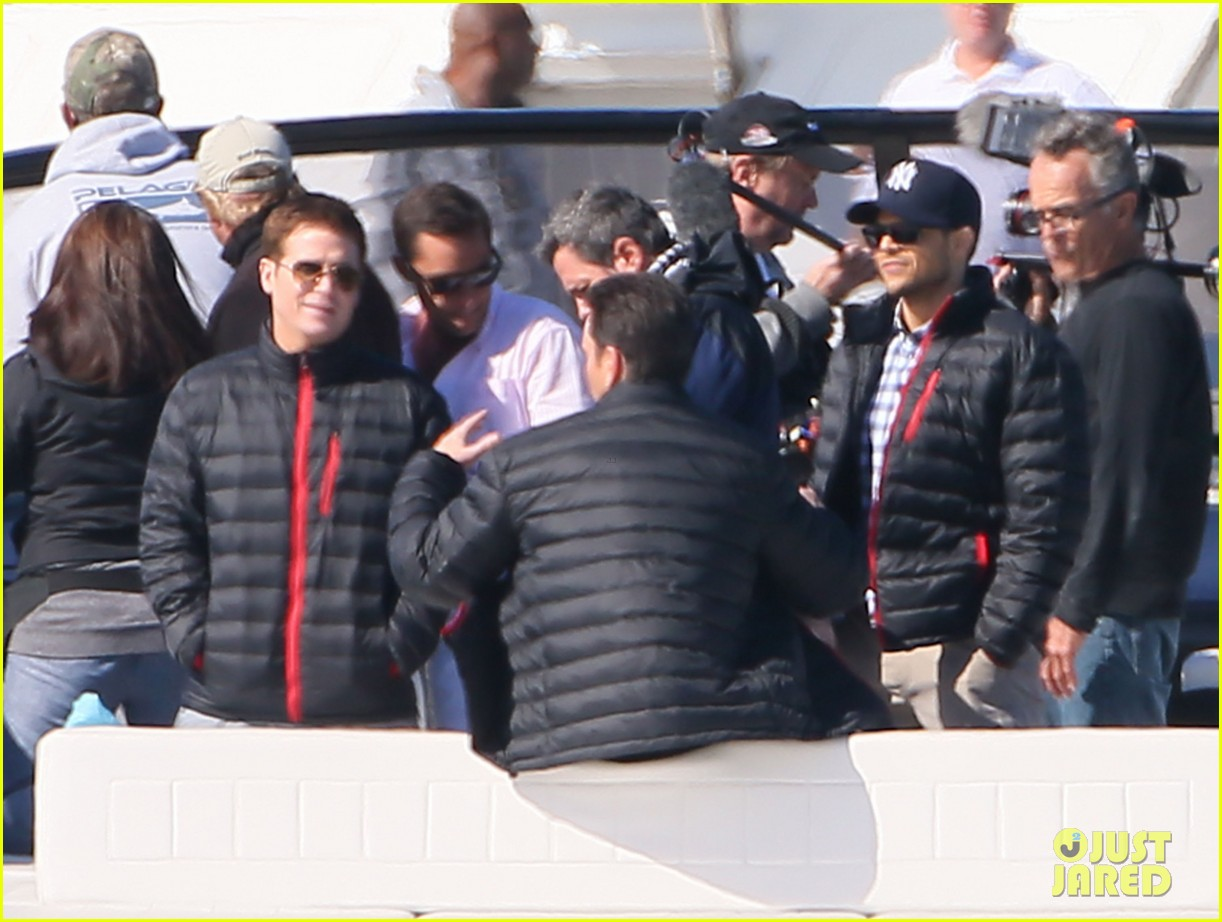 nina agdal joins entourage guys on set for yacht scene 02