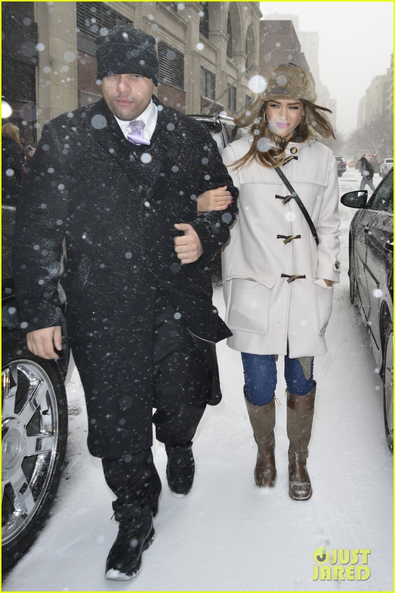 jessica alba snowy new york exit 01